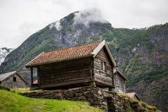 Norsk lantgårdbyggnad Royaltyfri Bild