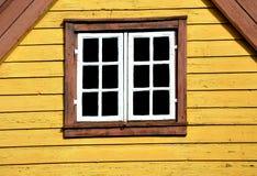 Norskt fönster arkivbild