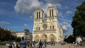 Norte Dame Cathedral a Parigi stock footage