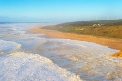 Free North Beach Nazare Waves Portugal Royalty Free Stock Photos - 206071248