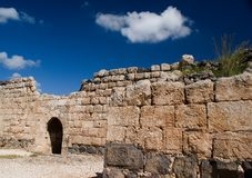 North inner wall of of Belvoir fortress. The Crusader fortress of Belvoir, located on a hill of the Naphtali plateau, 20 km. south of the Sea of Galilee. The Stock Photography