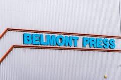 Northampton 11 gennaio 2018 BRITANNICO: Esterno del segno di logo di stampa della stampa di Belmont fotografie stock