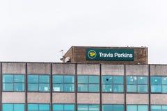 Northampton 11 gennaio 2018 BRITANNICO: Segno di logo di Travis Perkins Timber Supplier Fotografia Stock