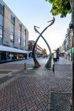 Northampton, het UK - 10 Augustus, 2017: De duidelijke mening van de Hemelochtend van DNA-Gedenkteken bij Abington-Straat in de S Stock Fotografie