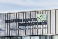 Northampton het UK 09 December, 2017: Westelijk het embleemteken van de Machtsdistributie in het Industriële Landgoed van Brackmi Stock Afbeelding