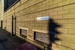 Northampton, Regno Unito - 10 agosto 2017: Chiaro punto di vista di mattina del cielo dei tribunali penali di Northampton che cos Fotografie Stock