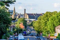Northampton Regno Unito - 15 agosto 2017: Vista nuvolosa di paesaggio urbano di giorno di Northampton Regno Unito con la strada i Fotografia Stock Libera da Diritti