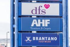 Northampton, Regno Unito - 26 ottobre 2017: Vista del logo di AFH Brantano DFS in Nene Valley Retail Park Immagini Stock Libere da Diritti