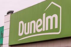 Northampton, Regno Unito - 26 ottobre 2017: Vista del logo di Dunelm in Nene Valley Retail Park Fotografia Stock Libera da Diritti