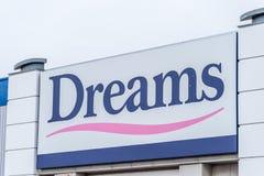Northampton, Regno Unito - 26 ottobre 2017: Vista del logo di sogni in Nene Valley Retail Park Fotografia Stock Libera da Diritti