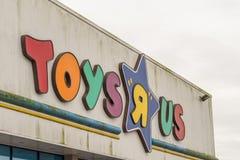 Northampton, Regno Unito - 26 ottobre 2017: Vista del logo di ToysRus in Nene Valley Retail Park Fotografia Stock