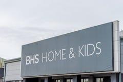 Northampton, Regno Unito - 26 ottobre 2017: Vista di BHS a casa e del logo dei bambini in Nene Valley Retail Park Fotografia Stock
