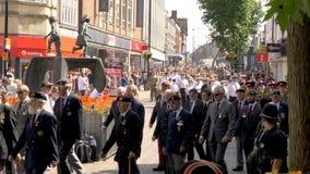 Northampton Reino Unido: 29 de junio de 2019 - tropas del desfile del día de las fuerzas armadas que marchan en la calle de Abing imagenes de archivo