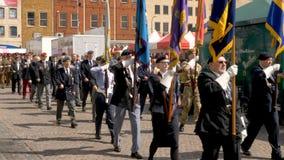 Northampton Reino Unido: 29 de junio de 2019 - veteranos del desfile del día de las fuerzas armadas que marchan en la plaza del m fotografía de archivo libre de regalías