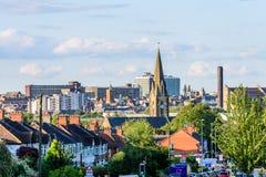Northampton UK - Augusti 15 2017: Molnig dagCityscapesikt av Northampton UK Arkivbild