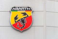Northampton UK Februari 03 2018: Ställning för Abarth Fiat logotecken i den Northampton Town mitten Fotografering för Bildbyråer