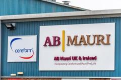 Northampton UK Januari 11 2018: AB Mauri Bakery Ingredients Supplier och yttersida för Cereform logotecken royaltyfri bild