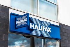 Northampton UK Januari 06 2018: Stolpe för Halifax logotecken Royaltyfri Foto