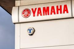 Northampton UK Styczeń 05, 2018: Yamaha loga znak na magazyn ścianie Obrazy Stock