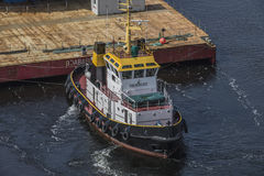 Northern Commander towing BoaBarge 21 Royalty Free Stock Photography
