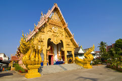 Northern thailand golden temple Royalty Free Stock Photos