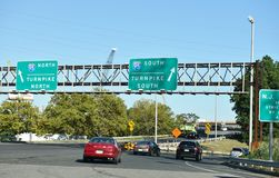 Nortn New Jersey de un estado a otro del sur de la carretera de peaje 95 Imágenes de archivo libres de regalías