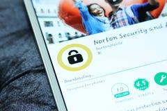 Norton mobil säkerhet och antivirus app royaltyfri bild