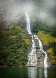 Noruega, fiorde de Geiranger é famosa para suas cachoeiras Fotos de Stock