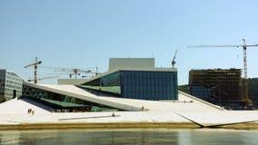Noruega, Oslo - 29 de mayo de 2018: La ópera y el ballet nacional noruego, y el teatro nacional de la ópera metrajes