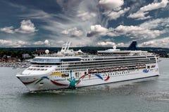 Norvégien Dawn Sailing dans Portland Photographie stock