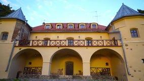 Norviliskiu Castle στο ηλιοβασίλεμα, Λιθουανία απόθεμα βίντεο