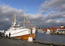 Norwegen Bryggen Bergen, Kai-Schiff Stockfotos