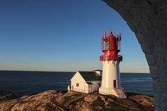 Norwegen-Leuchtturm - Sonnenaufgangmorgen lizenzfreies stockfoto