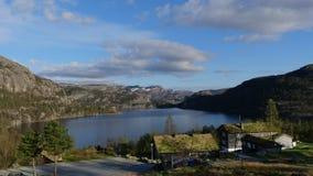 Norwegen-Natur nahe durch Preikestolen stockfoto