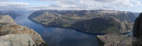 Norwegen Natur, Preikestolen und Lysefjord lizenzfreie stockfotos