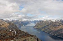 Norwegia błękitny fiordów gór natury norwegu niebo Zdjęcia Stock