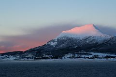 Norwegia Lofoten wyspy Piękne wyspy od promu punkt widzenia zdjęcia stock