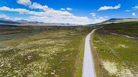 Norwegia widok z lotu ptaka od trutnia z jeziorami i drogą Obraz Royalty Free