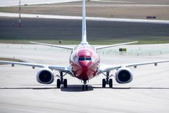 Norwegian Air Shuttle ASA, Boeing 737 - 8JP taxi obrazy stock