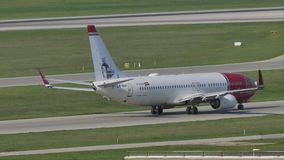 Norwegian Air Shuttle Boeing 737-800 LN-NGP stock video
