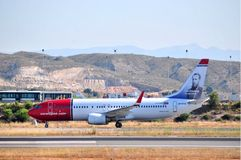 Norwegian 787 airline aproximation maniobre ir airport of alicante, spain Stock Image