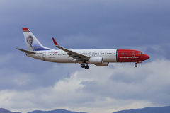 Norwegian.com jet on approach Stock Photo