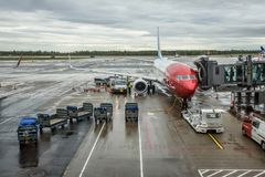 Norwegian plane being boarded at the Oslo Gardermoen �airport Stock Photos