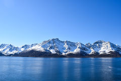 Norwegische Berge mit Schnee Lizenzfreie Stockfotografie