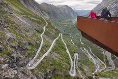 Norwegische Gebirgsstraße Trollstigen Stigfossen Wasserfall Norw Stockfotografie