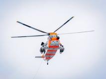 Norwegische Suchanzeigen-Rettungsübung in Meer Stockbilder