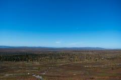 Norwegischer Berg in den schönen Fallfarben Lizenzfreie Stockbilder
