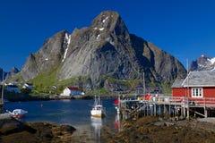 Norwegisches Fischerdorf lizenzfreie stockbilder