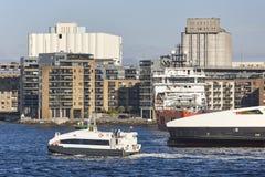 Norwescy promy w Stavanger miasta schronieniu Norwegia Transportati Obraz Stock