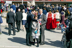 Norweska rodzina robi selfi fotografii podczas marszu Obrazy Royalty Free